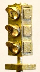 B109 Brass 3 Aspect Dwarf
